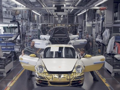 Porsche to start production of the 911 again on Monday