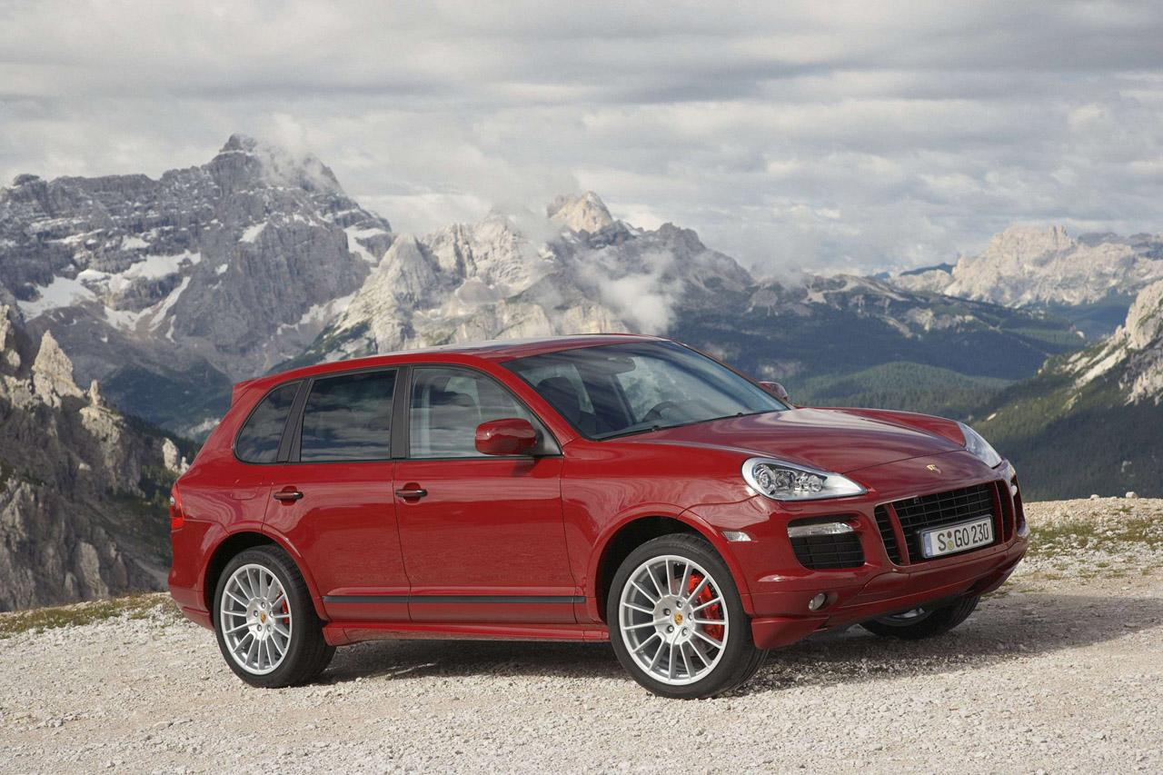 Porsche Cayenne Gts It S A Porsche Through And Through Flatsixes
