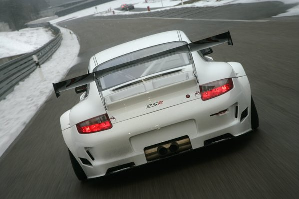 Huge wing on the new 2009 GT3 Porsche RSR