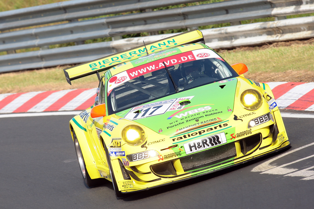 Manthey Racing on the way to their third straight win at the ADA Ruhrpokal Race