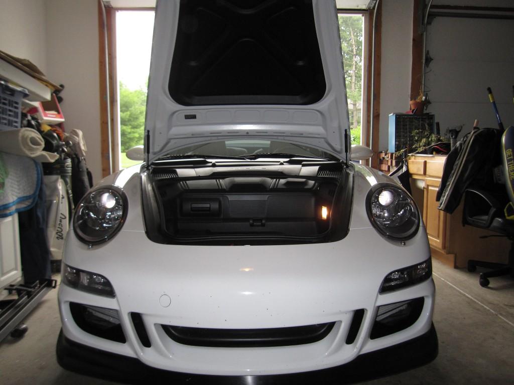 White Porsche 997