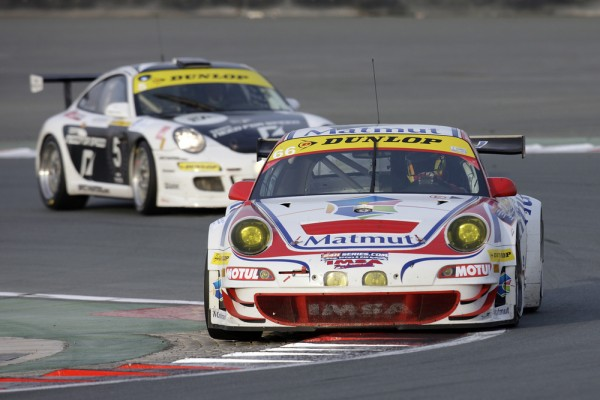 Team Matmuts 911 GT3 RSR in the chicanes