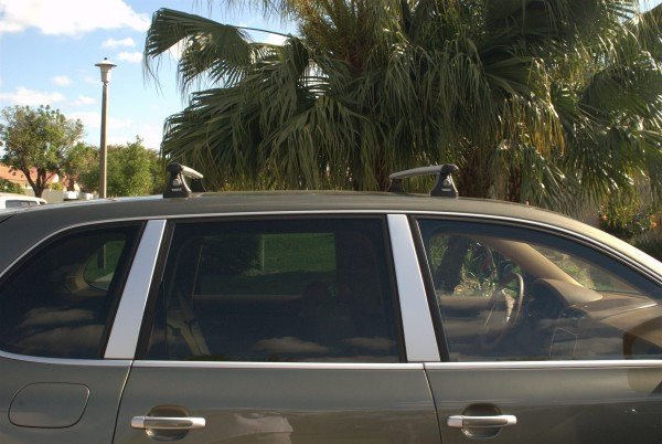 A Thule Roof Rack on a Porsche Cayenne