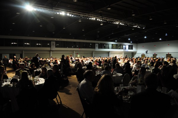 Participants sitting at tables and dining at the 2010 PCA Parade Concours Banquet
