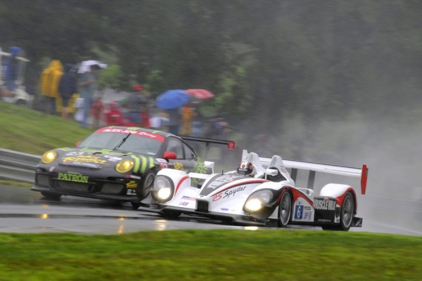 Muscle Milk Porsche racing in the rain in the ALMS Lime Rock