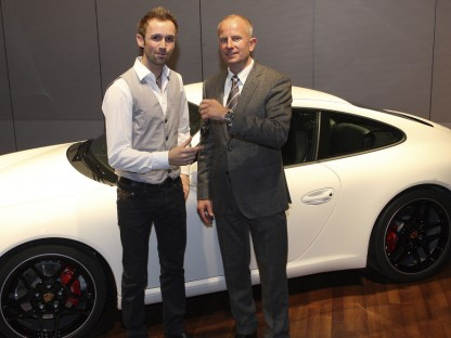 René Rast receives an early Christmas present from Porsche