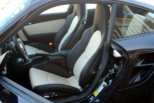 Interior shot of Porsche 911 Turbo S 2011