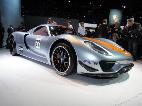 side view of Porsche 918 rsr