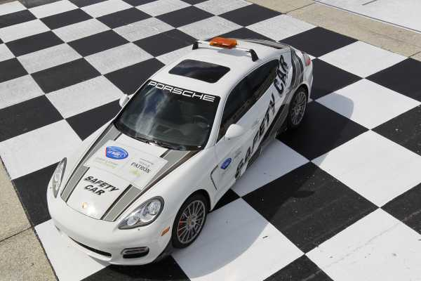 overhead picture of the porsche panamera ALMS safety car