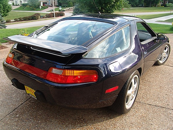 Porsche 928 GTS 5spd with sunroof delete in Midnight Blue Metallic