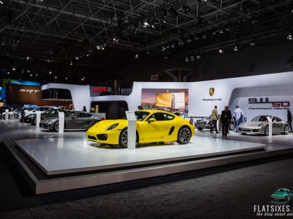 Exclusive Interior Shots of the 2014 Porsche 911 GT3 plus 40 others