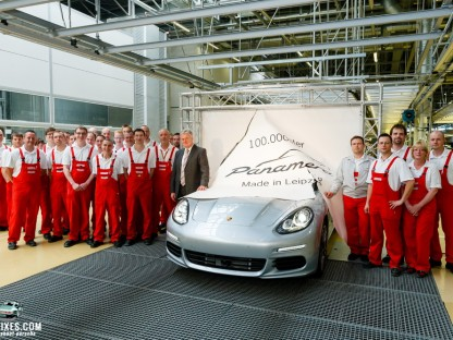 Celebrating a milestone at Porsche: 100,000th Panamera leaves the factory