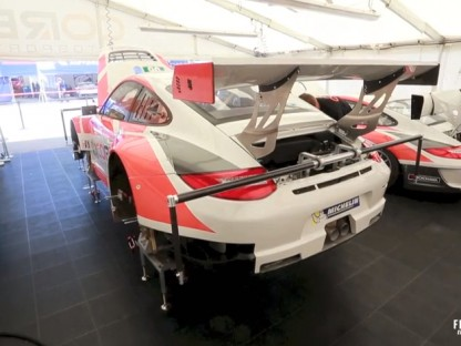 The Differences Between a Porsche 911 GT3 Cup and a 911 GT3 RSR