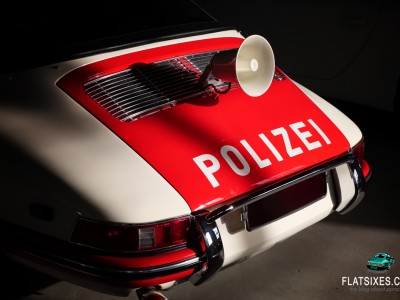 the horn on a 1968 Porsche Police Car 911