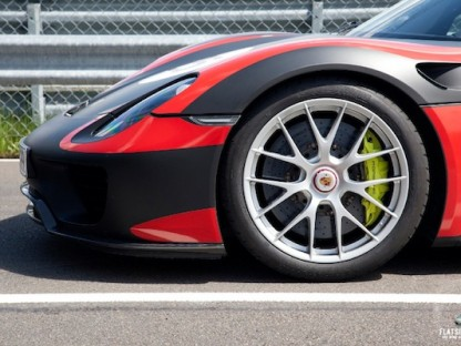 27 New Pictures and Updated Technical Specs on the Porsche 918 Spyder