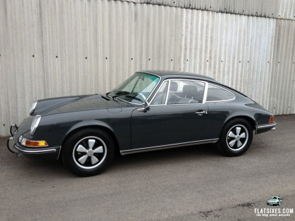 David Beckham Buys Copy of Steve McQueen's Famous 911