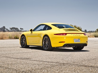 "991 Carrera 4S Named 2013 Motor Trend ""Best Driver's Car"""