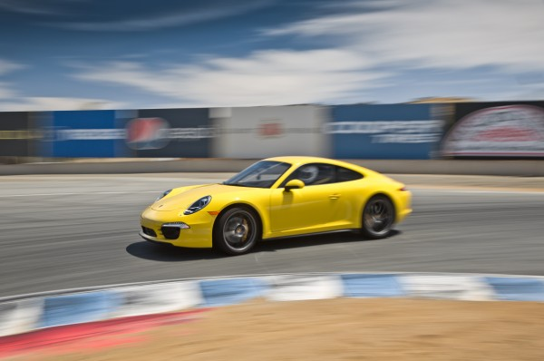 2013-Porsche-911-Carrera-4S-side-turn-in-motion