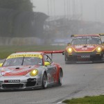 Porsche17.2013- ALMS- Road America- No45 Flying Lizard Leading MOMO NGT Porsche