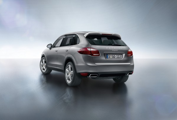 Porsche Cayenne Platinum Edition rear shot