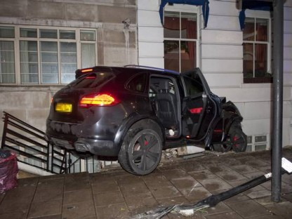 Merdad-Tuned Cayenne Checks Into London Elizabeth Hotel, Doesn't Check Out