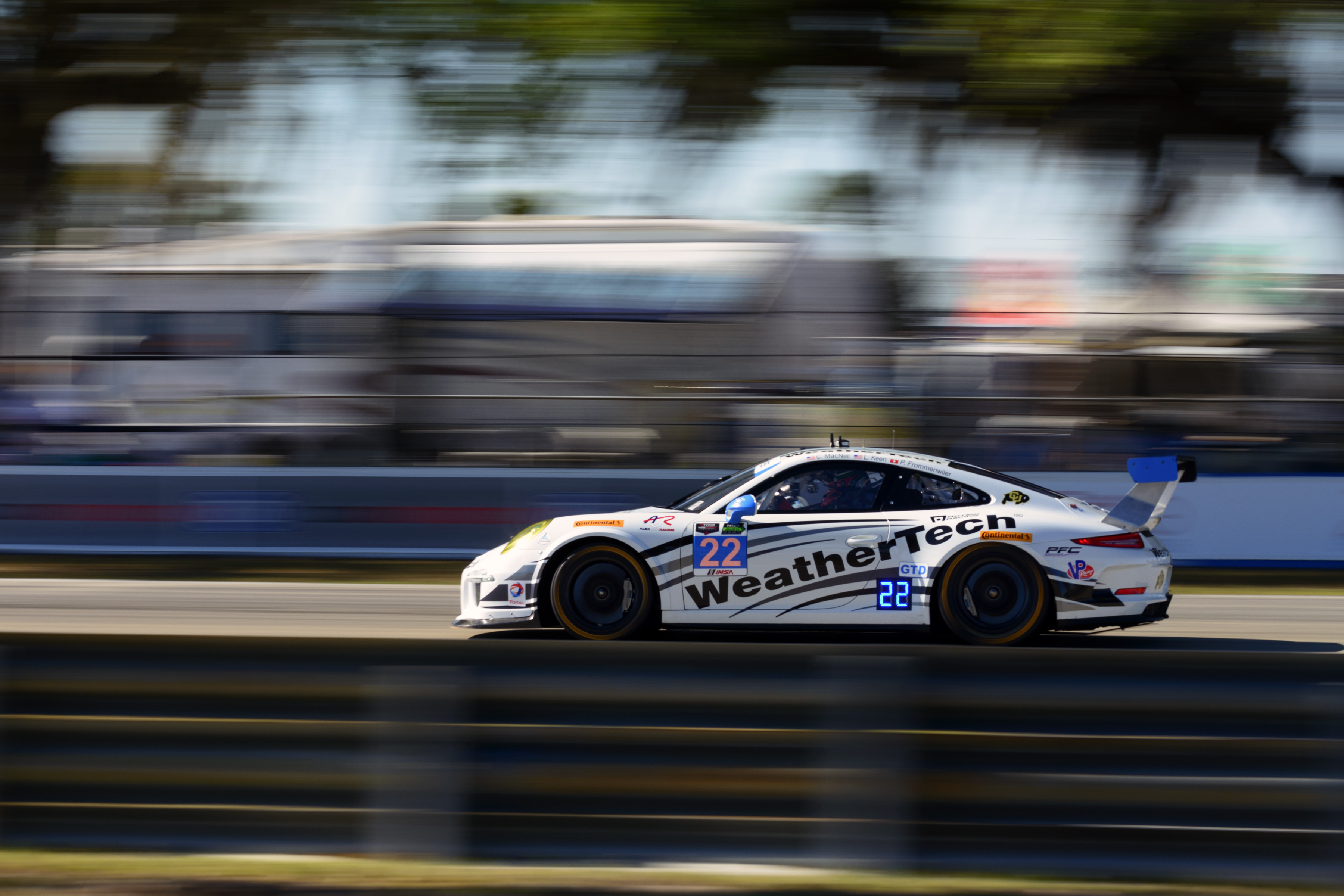 Porsche S Pictures And Results From The Mobil 1 12 Hours