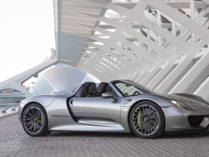 "Porsche 918 Spyder Named Robb Report ""Best of the Best"" Convertible"