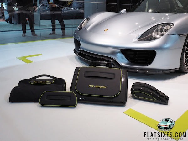 guess how much luggage for the porsche 918 spyder costs flatsixes. Black Bedroom Furniture Sets. Home Design Ideas