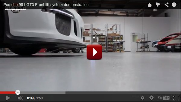 demonstration of the front axle lift system on the porsche 911 GT3
