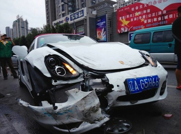 Porsche Boxster Crash China