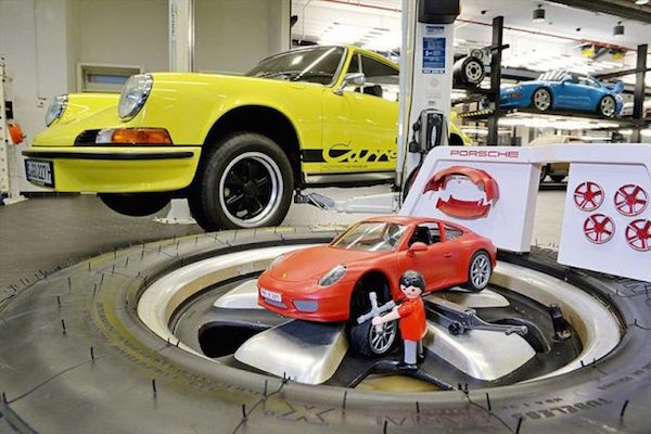 you 39 ll want this porsche playmobil toy even if you don 39 t. Black Bedroom Furniture Sets. Home Design Ideas