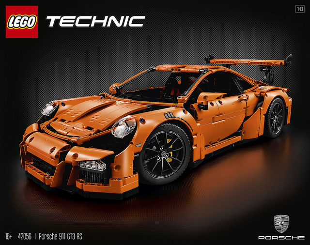 LEGO Technic Porsche 911 GT3 RS box