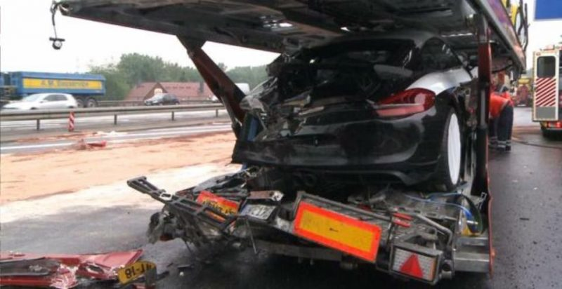 7 Porsche Cayman GT4s destroyed in accident on autobahn