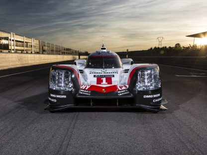 This is the new Porsche LMP1 919 Hybrid