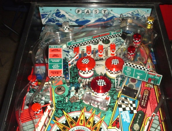 checkpoint-porsche-pinball-playing-field