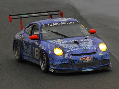 Well Into the Fifth Hour, Porsche Has Overall Lead in DP at Daytona