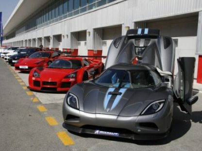 We travel to Dubai to test the new Michelin Pilot Super Sport