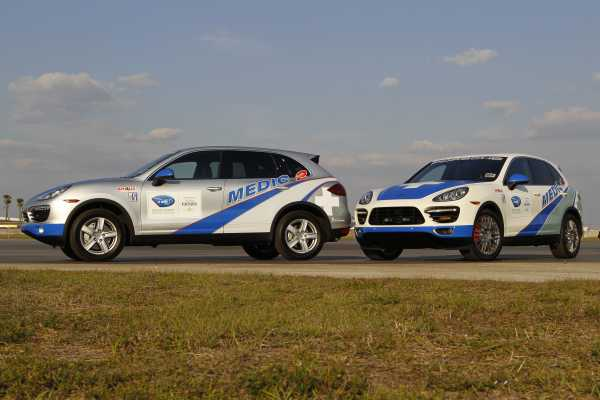 Two Porsche Cayenne ALMS Safety Cars