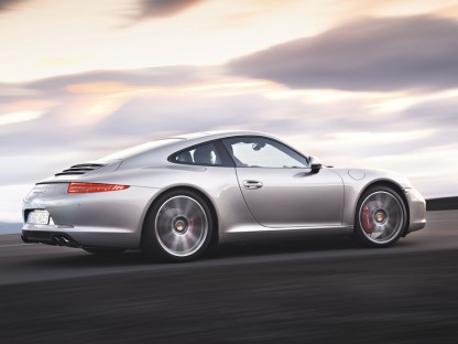 Official Pictures, Pricing and Specs of the 2012 Porsche 911