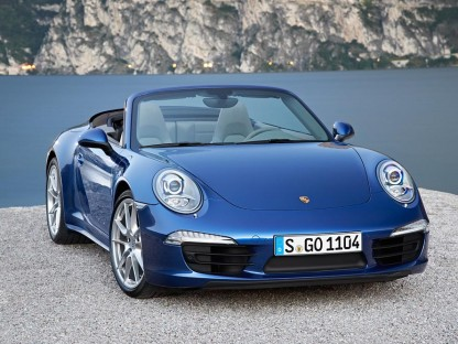 Official Pictures, Pricing and Information on the new 2013 Porsche 911 Carrera 4 and 4S