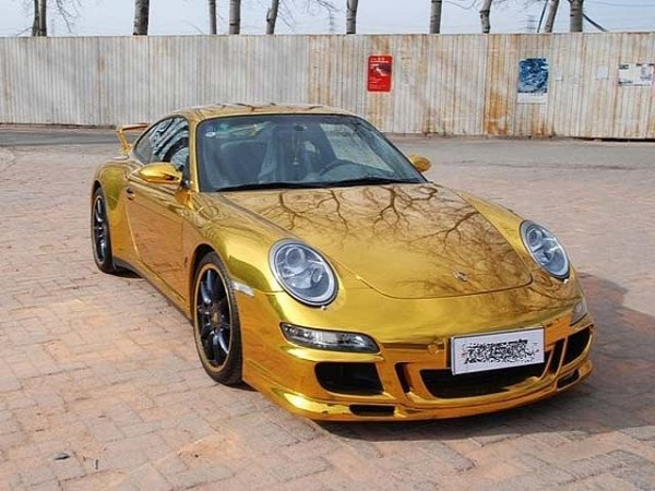 porsche 911 c4s wrapped in gold foil china