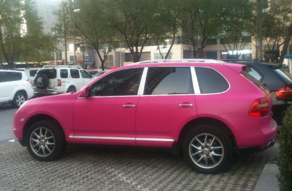 Pink Porsche Cayenne in China