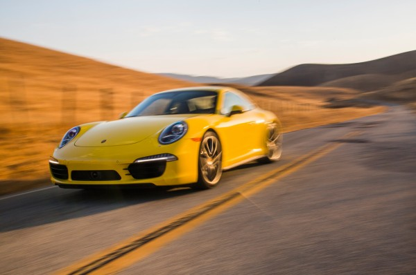 2013-Porsche-911-Carrera-4S-front-three-quarters-in-motion