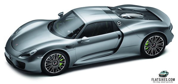Porsche 918 in 1/8 scale from Porsche Driver's Selection