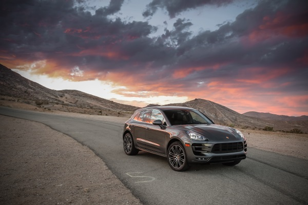 the all new porsche macan an off road perspective flatsixes. Black Bedroom Furniture Sets. Home Design Ideas