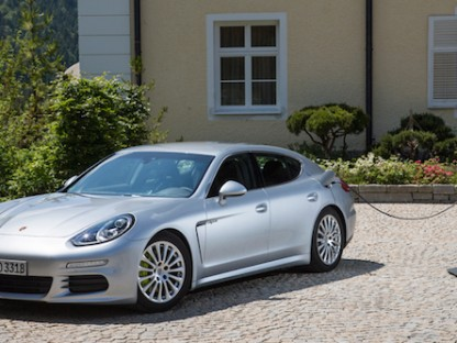 Buy This $2.34 Million Dollar Panamera Hybrid and Get a Free Mansion!