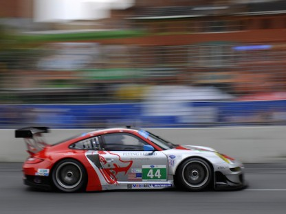 flying lizard porsche in the ALMS