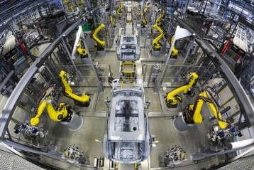 video featuring the porsche macan production line