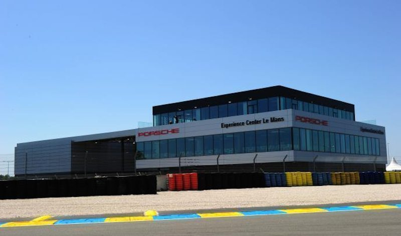 porsche opens their newest experience center in le mans flatsixes. Black Bedroom Furniture Sets. Home Design Ideas