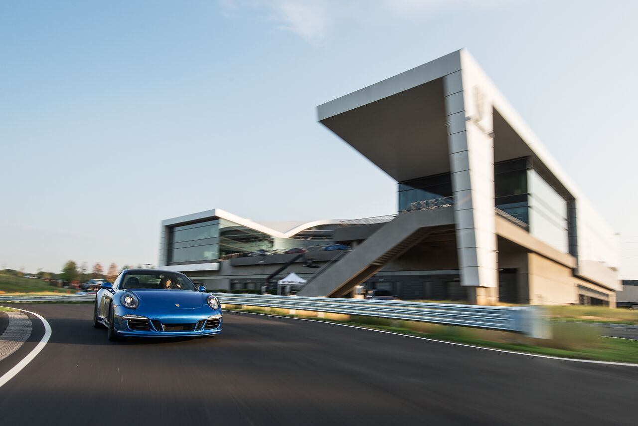 Porsche Experience Center in Atlanta, 991 Carrera 4S on the track